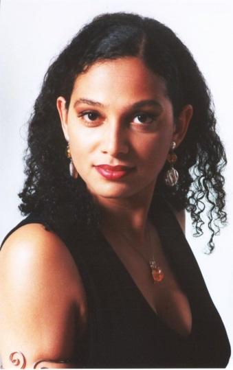 Award-winning mezzosoprano Sarah M'Punga
