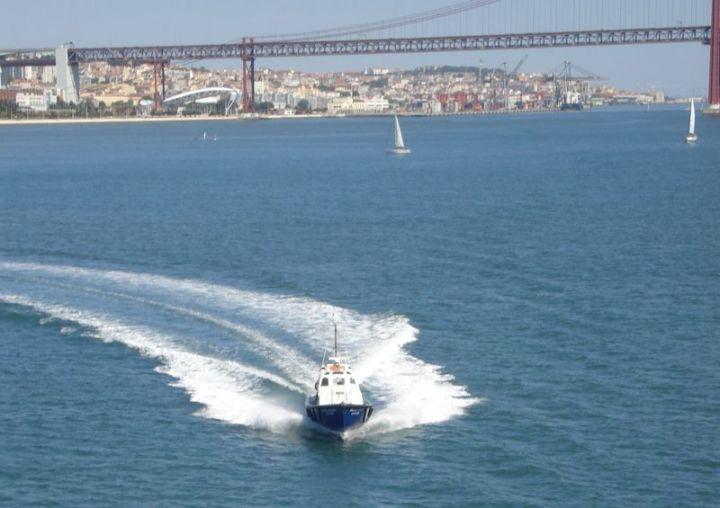 Pilot Boat Approach 2