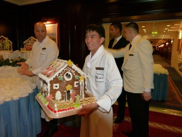 Carrying Nautica Gingerbread-3