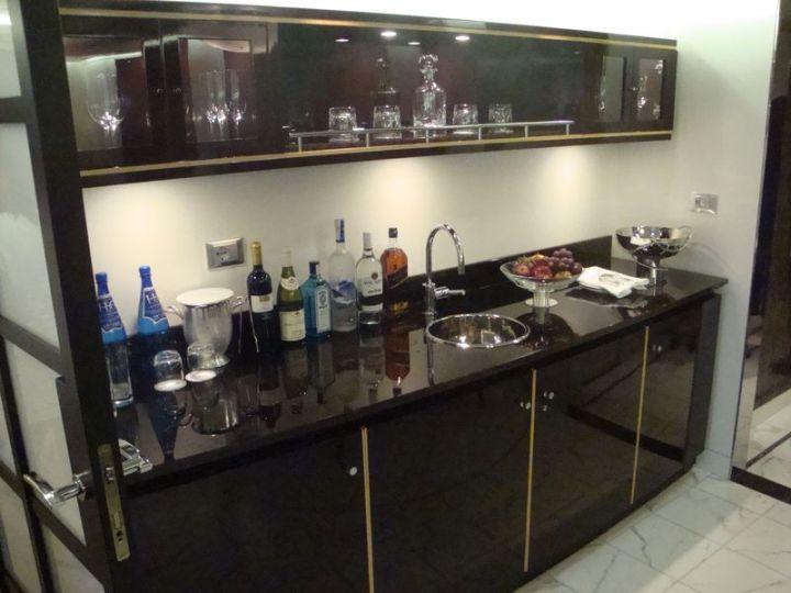 Oceania Suite Bar