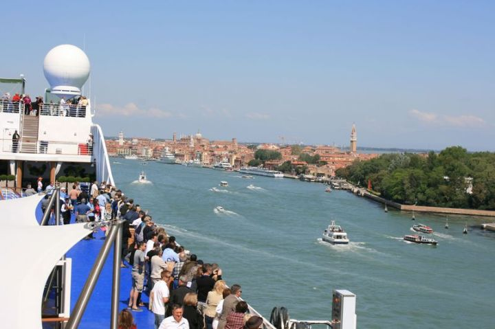 Riviera in Venice01