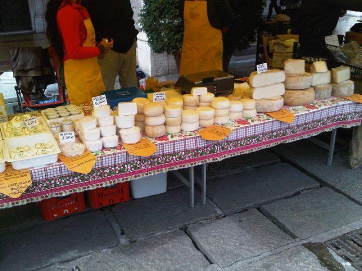 Genoa Cheese Market